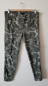 Zipper camo pants